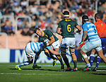 06/09/2018. Malvinas Argentinas Stadium, Mendoza, Argentina. The Rugby Championship 2018, Round 2, Los Pumas beat the Spingboks at home 32 to 19. Handre Pollard suffering Marcos Kremer tackle during first half of the match. /Maximiliano Aceiton/Trysportimages