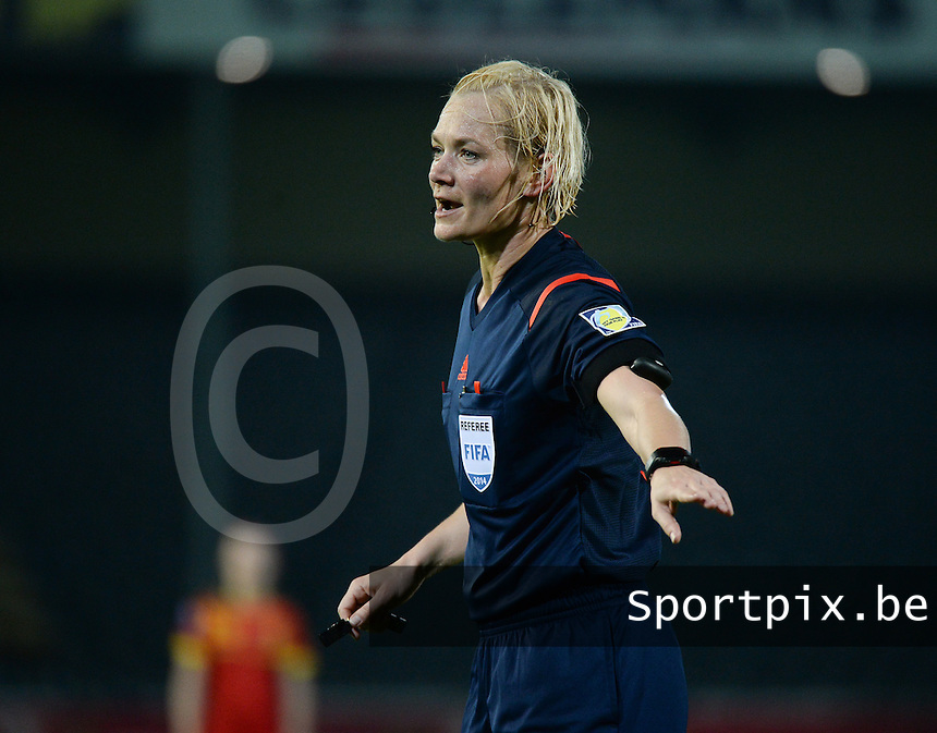 20140410 - LEUVEN , BELGIUM : German Referee Bibiana Steinhaus pictured during the female soccer match between Belgium and Norway, on the seventh matchday in group 5 of the UEFA qualifying round to the FIFA Women World Cup in Canada 2015 at Stadion Den Dreef , Leuven . Thursday 10th April 2014 . PHOTO DAVID CATRY