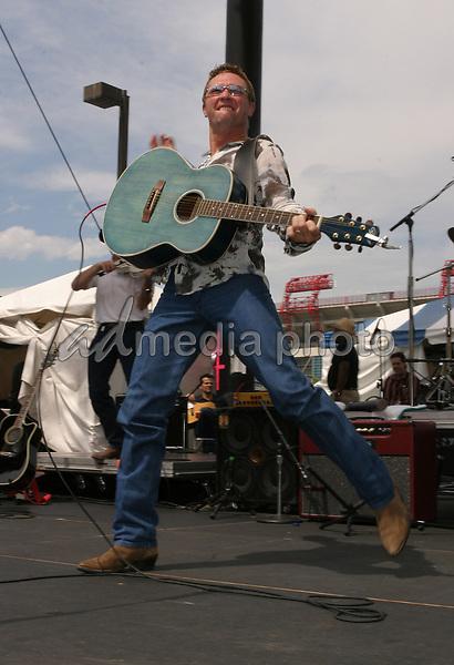 June 13th, 2004:  Nashville, TN, USA: CMA Music Festival Convention RiverFront Stages Day 4.  Craig Morgan Performs.  Mandatory Photo Credit:  Ferguson/Admedia (c) Kevin Ferguson/2004