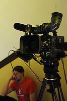 Lavoratori dello spettacolo durante la riprese di Casa Coop.Workers in the entertainment during the filming of House Coop.Maurizio Baisi. Macchinista.Stagehand..CASA COOP è una sit-com, prodotta dalla Coop, sulla vita quotidiana di persone di varia umanità, ambientata in un condominio. Gli episodi saranno diffusi via internet.HOUSE COOP is a sit-com produced by the Coop, about daily life of people with different  humanity , that live in a condominium. Episodes will be disseminated by Internet. ...