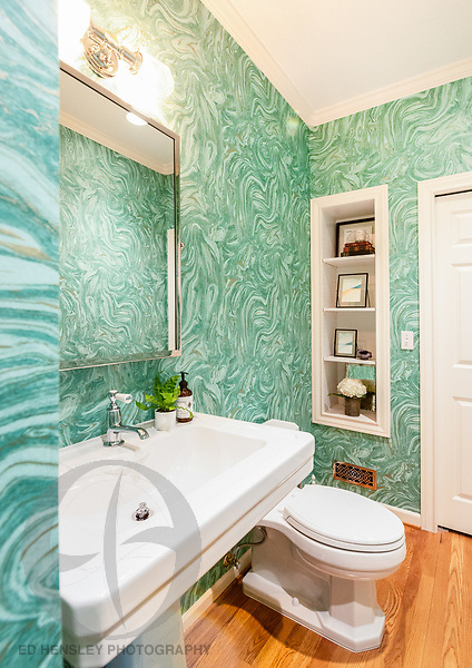 Powder room remodel. Design by Kristyn Bester Design. Cap and Feather Photography.