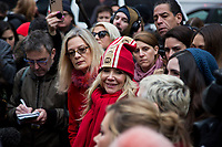 NEW YORK, NEW YORK - JANUARY 6: Actress Rosanna Arquette, center, speaks with members of the media after Harvey Weinstein arrives at the Manhattan courthouse. On January 6, 2020 in New York City. Weinstein pleaded not guilty to five counts of rape and faces a possible life sentence in prison.(Photo by Pablo Monsalve / VIEWpress)
