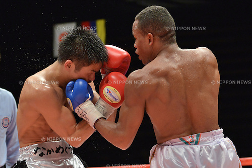(L-R) Kohei Kono (JPN), Liborio Solis (VEN),<br /> MAY 6, 2013 - Boxing :<br /> Liborio Solis of Venezuela hits Kohei Kono of Japan in the seventh round during the WBA super flyweight title bout at Ota-City General Gymnasium in Tokyo, Japan. (Photo by Hiroaki Yamaguchi/AFLO)