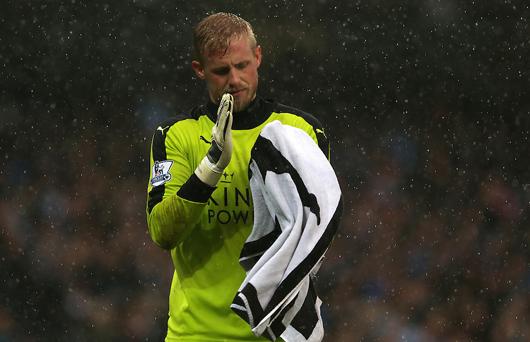 Leicester City's Kasper Schmeichel<br /> <br /> Photographer Stephen White/CameraSport<br /> <br /> Football - Barclays Premiership - Manchester City v Leicester City - Saturday 6th February 2016 -  Etihad Stadium - Manchester<br /> <br /> &copy; CameraSport - 43 Linden Ave. Countesthorpe. Leicester. England. LE8 5PG - Tel: +44 (0) 116 277 4147 - admin@camerasport.com - www.camerasport.com