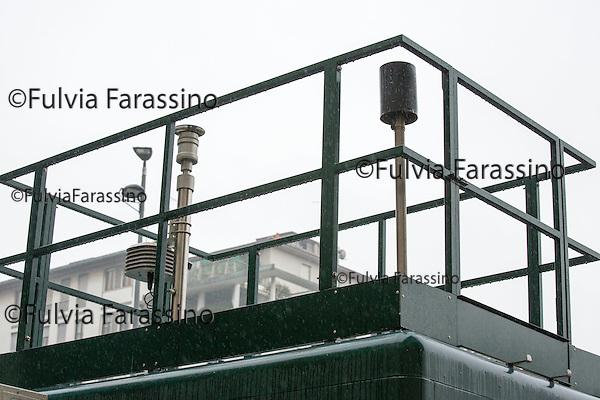 Milano, 2 febbario 2016, Largo Augusto,Piazza dei Bersaglieri, Centralina per il rilevamento dell'inquinamento atmosferico.<br /> control units for the detection of air pollution in Milan