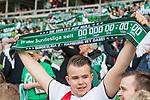 15.04.2018, Weser Stadion, Bremen, GER, 1.FBL, Werder Bremen vs RB Leibzig, im Bild<br /> <br /> Fans Feature im Stadion<br /> S&uuml;dkurve / Sued Fahnen Bahner Stimmung Emotionen<br /> <br /> Foto &copy; nordphoto / Kokenge