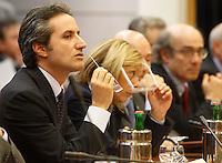 NAPOLI CONSIGLIO REGIONALE DELLA CAMPANIA NELLA FOTO IL GOVERNATORE STEFANO CALDORO.FOTO CIRO DE LUCA