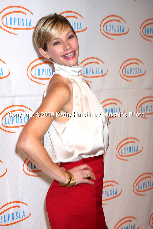 Meredith Monroe.arriving at the 7th Annual Lupus LA Bag Ladies Luncheon .Beverly Wilshire Hotel.Beverly Hills,  CA.November 18, 2009.©2009 Kathy Hutchins / Hutchins Photo.