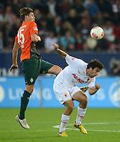 FUSSBALL   1. BUNDESLIGA  SAISON 2012/2013   7. Spieltag FC Augsburg - Werder Bremen          05.10.2012 Sebastian Proedl (li, SV Werder Bremen) gegen Jan Morawek (FC Augsburg)