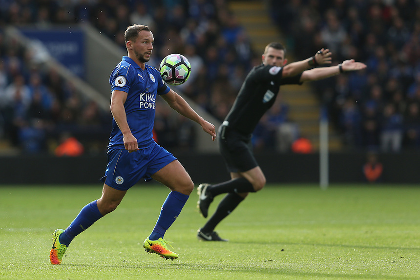 Leicester City's Daniel Drinkwater<br /> <br /> Photographer Stephen White/CameraSport<br /> <br /> The Premier League - Leicester City v Crystal Palace - Saturday 22nd October 2016 - King Power Stadium - Leicester<br /> <br /> World Copyright &copy; 2016 CameraSport. All rights reserved. 43 Linden Ave. Countesthorpe. Leicester. England. LE8 5PG - Tel: +44 (0) 116 277 4147 - admin@camerasport.com - www.camerasport.com