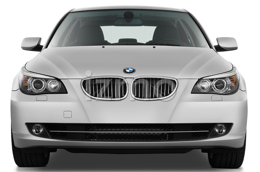 Straight front view of a 2009 BMW 5 Series 528