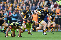Thomas Young of Wasps gets past Graham Kitchener and Mike Fitzgerald of Leicester Tigers. Aviva Premiership semi final, between Wasps and Leicester Tigers on May 20, 2017 at the Ricoh Arena in Coventry, England. Photo by: Patrick Khachfe / JMP