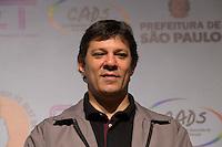 SAO PAULO, SP, 02 JUNHO 2013 - ENTREVISTA COLETIVA -PARADA DO ORGULHO GLBT - O prefeito de São Paulo, Fernando Haddad,  durante a entrevista coletiva da 17 Parada do Orgulho LGBT no teatro Raul Cortez, na manhã  deste domingo, 02. (FOTO: ADRIANA SPACA / BRAZIL PHOTO PRESS).