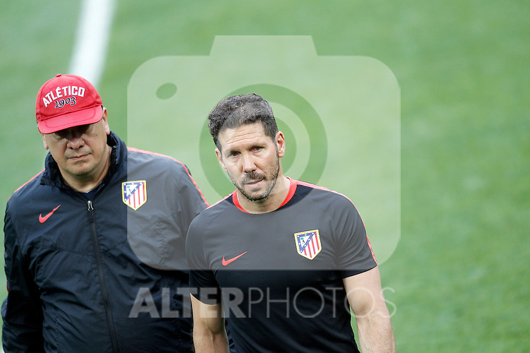 Atletico de Madrid's coach Diego Pablo Cholo Simeone (r) and his second German Mono Burgos during Champions League 2015/2016 training session. May 27,2016. (ALTERPHOTOS/Acero)