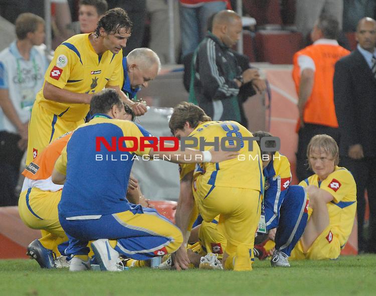 FIFA WM 2006 -  Round of Sixteen - / Viertelfinale <br /> Play    #54  (26. Juni ) Schweiz - Ukraine<br /> <br /> Die ukrainische Mannschaft vor der Verl&permil;ngerung.<br /> <br /> Foto &copy; nordphoto