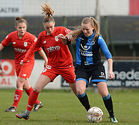 20180127 - AALTER , BELGIUM : Brugge's Elle Decorte (r) pictured in a duel with Standard's Charlotte Cranshoff during the quarter final of Belgian cup 2018 , a womensoccer game between Club Brugge Dames and Standard Femina de Liege , in Aalter , saturday 27 th January 2018 . PHOTO SPORTPIX.BE | DAVID CATRY