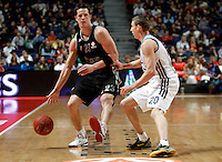 Brose's Casey Jacobsen and Real Madrid's Jeycee Carroll during Euroliga match. February 28,2013.(ALTERPHOTOS/Alconada)