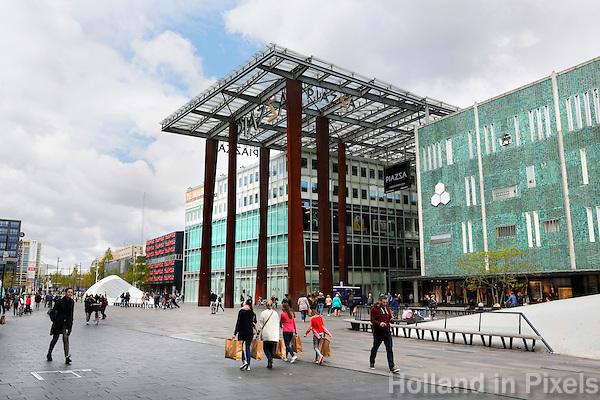 Nederland Eindhoven 2016. Piazza winkelcentrum op het 18 Septemberplein. Winkelcentrum in de binnenstad. Foto Berlinda van Dam / Hollandse Hoogte