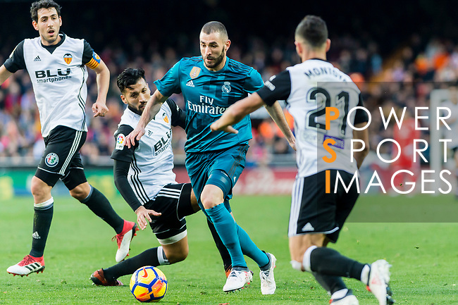 Karim Benzema of Real Madrid (R2) in action during the La Liga 2017-18 match between Valencia CF and Real Madrid at Estadio de Mestalla  on 27 January 2018 in Valencia, Spain. Photo by Maria Jose Segovia Carmona / Power Sport Images