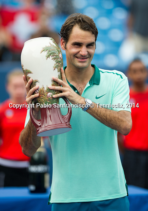 Roger Federer (SUI) wins his 6th Western & Southern Open after defeating David Ferrer (ESP) by 63 16 62 in Mason, OH on August 17, 2014.
