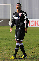 SAO PAULO, SP, 04 JUNHO DE 2013 - TREINO DO CORINTHIANS - Ralf jogador do Corinthians durante treino na manha desta terca-feira, 04 no CT Joaquim Grava regiao leste da cidade de Sao Paulo. FOTO: VANESSA CARVALHO - BRAZIL PHOTO PRESS.