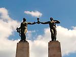Monumento a Belisario Porras / Plaza Porras, Ciudad de Panamá.<br /> <br /> Estatuas de mujer / democracia y libertad.<br /> <br /> Obra del escultor Victorio Macho.