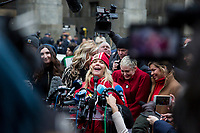 NEW YORK, NEW YORK - JANUARY 6: Actress Rosanna Arquette, center, speaks with members of the media after Harvey Weinstein arrives at the Manhattan courthouse. On January 6, 2020 in New York City. Weinstein pleaded not guilty to five counts of rape and faces a possible life sentence in prison. (Photo by Pablo Monsalve / VIEWpress)