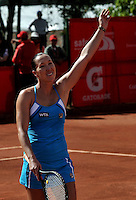 BOGOTÁ - COLOMBIA - 23-02-2013: Jelena Jonkovic de Serbia, saluda tras vencer a Karin Knapp de Italia, en partido por la Copa de Tenis WTA Bogotá, febrero 23 de 2013. (Foto: VizzorImage / Luis Ramírez / Staff). Jelena Jonkovic from Serbia in salutes after beating Karin Knapp from Italy in a match for the WTA Bogota Tennis Cup, on February 23, 2013, in Bogota, Colombia. (Photo: VizzorImage / Luis Ramirez / Staff)..................................