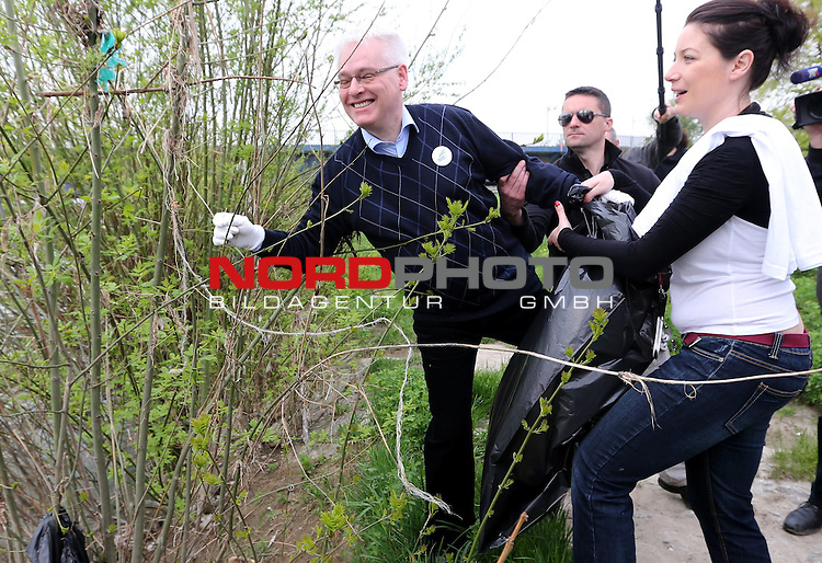 20.04.2013., Zagreb -  <br /> resident Ivo Josipovic in action cleaning Green Cleanup.<br /> <br /> Foto &copy;  nph / PIXSELL / Robert Anic