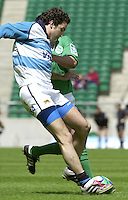 24/05/2002 (Friday).Sport -Rugby Union - London Sevens.Argentina vs Ireland.Santiago Gomez Cora[Mandatory Credit, Peter Spurier/ Intersport Images].