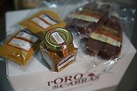 Bottarga di muggine- azienda l'oro di Cabras dei fratelli Manca - i prodotti inscatolati