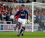 Leon Clarke of Sheffield Utd hold sup the ba;; with Dael Fry of Middlesbrough during the Championship match at the Riverside Stadium, Middlesbrough. Picture date: August 12th 2017. Picture credit should read: Simon Bellis/Sportimage