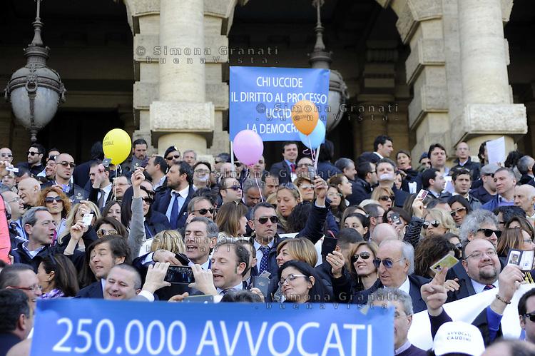 Roma, 15 Marzo 2012.Piazza Cavour.Palazzo della Cassazione.Migliaia di avvocati protestano contro la legge sulle liberalizzazioni.I tesserini dell'Ordine