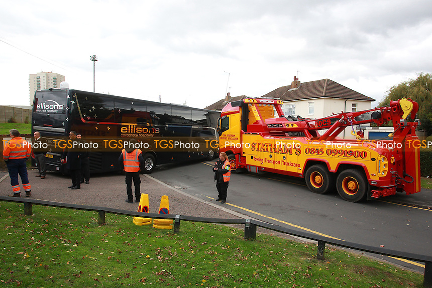 Recovery work takes place to move the Arsenal team coach, stuck outside the entrance to the ground after breaking down during Arsenal Under-19 vs Ludogorets Razgrad Under-19, UEFA Youth League Football at Meadow Park on 19th October 2016