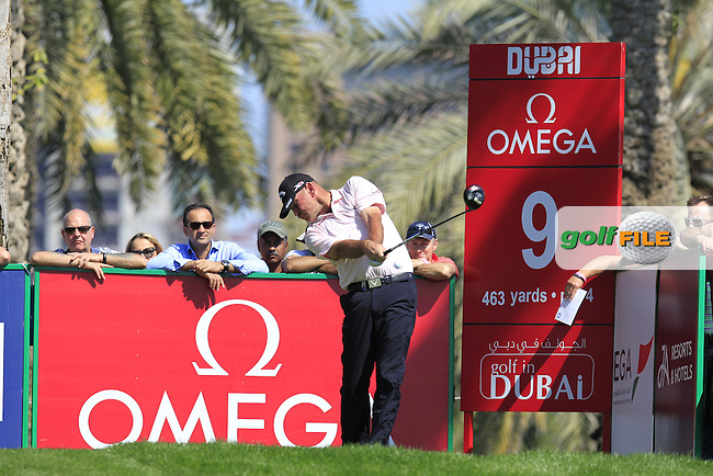 Thomas BJORN (DEN) tees off the 9th tee during Pink Friday's Round 2 of the 2015 Omega Dubai Desert Classic held at the Emirates Golf Club, Dubai, UAE.: Picture Eoin Clarke, www.golffile.ie: 1/30/2015