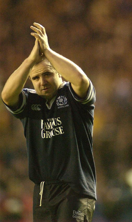 Photo. Jed Wee.Scotland v South Africa, Rugby Union International, Murrayfield, Edinburgh, Scotland. 16-11-2002..Scotland's Tom Smith.