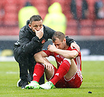 Derek McInnes and Niall McGinn dejection