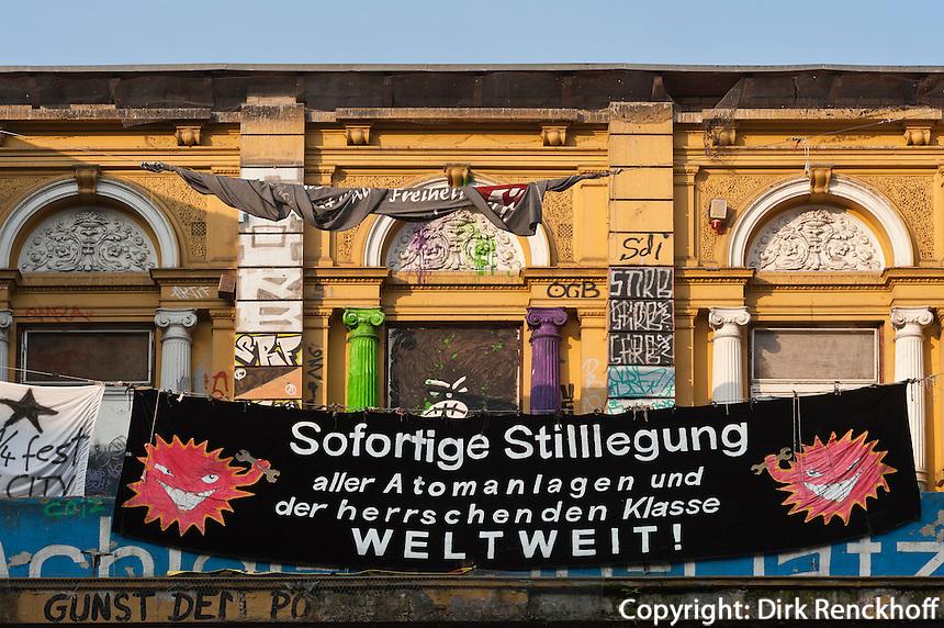"""Besetzes Haus """"Rote Flora"""" im Schanzenviertel, Hamburg, Deutschland"""
