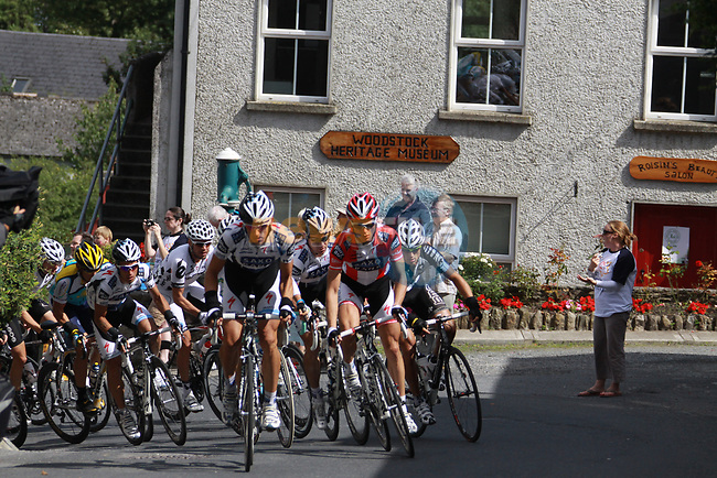 The peloton led by Team Saxo Bank through Inistioge village during Stage1 of the 2009 Tour of Ireland, running 196km from the Ritz-Carlton Hotel Powerscourt, Enniskerry to Waterford, Ireland. 21st August 2009.<br /> (Photo by Eoin Clarke/NEWSFILE)