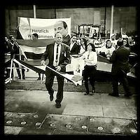 Aegypter demonstrieren anlaesslich des Besuches des aegyptischen Praesidenten Mursi fur den Praesidenten.<br /> 3.6.2015, Berlin<br /> Copyright: Christian-Ditsch.de<br /> [Inhaltsveraendernde Manipulation des Fotos nur nach ausdruecklicher Genehmigung des Fotografen. Vereinbarungen ueber Abtretung von Persoenlichkeitsrechten/Model Release der abgebildeten Person/Personen liegen nicht vor. NO MODEL RELEASE! Nur fuer Redaktionelle Zwecke. Don't publish without copyright Christian-Ditsch.de, Veroeffentlichung nur mit Fotografennennung, sowie gegen Honorar, MwSt. und Beleg. Konto: I N G - D i B a, IBAN DE58500105175400192269, BIC INGDDEFFXXX, Kontakt: post@christian-ditsch.de<br /> Bei der Bearbeitung der Dateiinformationen darf die Urheberkennzeichnung in den EXIF- und  IPTC-Daten nicht entfernt werden, diese sind in digitalen Medien nach &sect;95c UrhG rechtlich geschuetzt. Der Urhebervermerk wird gemaess &sect;13 UrhG verlangt.]