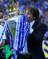 Chelsea manager Antonio Conte kisses the Premier League trophy during the Premier League match between Chelsea and Sunderland at Stamford Bridge on May 21st 2017 in London, England. <br /> Festeggiamenti Chelsea vittoria Premier League <br /> Foto Leila Cocker/PhcImages/Panoramic/Insidefoto