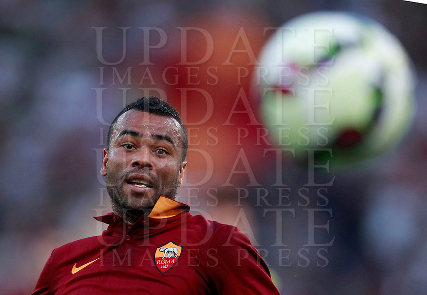 Calcio, Serie A: Roma vs ChievoVerona. Roma, stadio Olimpico, 18 ottobre 2014.<br /> Roma's Ashley Cole eyes the ball during the Italian Serie A football match between Roma and ChievoVerona at Rome's Olympic stadium, 18 October 2014.<br /> UPDATE IMAGES PRESS/Isabella Bonotto