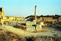 Libia  Sabratha .Citt&agrave;  romana a circa 67km da Tripoli.I resti del Tempio di Ercole.<br /> Sabratha Libya. Roman city about 67km from Tripoli. <br /> Roman city about 67km from Tripoli. The remains of the Temple of Hercules