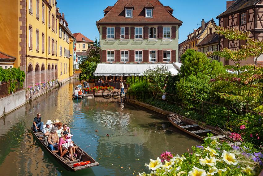 France, Alsace, Haut-Rhin, Colmar: Petite Venise (Little Venice) boat trip at river Lauch   Frankreich, Elsass, Haut-Rhin, Colmar: Petite Venise (Klein Venedig) Bootsrundfahrt auf dem Fluss Lauch