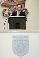 Anson Dorrance introduces Michelle Akers during the 2004 National Soccer Hall of Fame Induction Ceremony on Monday October 11, 2004 at the National Soccer Hall of Fame and Museum, Oneonta, NY..