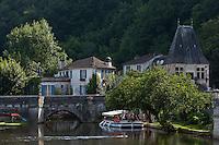 Europe/France/Aquitaine/24/Dordogne/Brantome: Pont coudé et  Moulin de L'Abbaye: Cet ancien moulin du XVIe siècle, baigné par les eaux de la Dronne a été transformé en Hôtel-Restaurant de charme