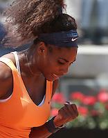 La statunitense Serena Williams esulta durante gli Internazionali d'Italia di tennis a Roma, 18 Maggio 2013..Serena Williams, of the United States, reacts after winning a point during the Italian Open Tennis WTA tournament in Rome, 18 May 2013.UPDATE IMAGES PRESS/Riccardo De Luca..