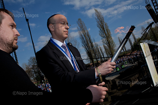 OSWIECIM, POLAND, APRIL 24, 2017:<br /> Elisha Wiesel is lighting a torch in the memory of his father Eli Wiesel, during the &quot;March of The Living&quot; an annual march between two camps of the Auschwitz concentration camp.  Elisha Wiesel is a chief technology officer at Goldman Sachs in New York and the only son of Holocaust memoirist Eli Wiesel. After death of his father he has decided to step forward and take a more public role, carrying on his father's work.<br /> (Photo by Piotr Malecki / Napo Images)<br /> ###<br /> OSWIECIM, 24/04/2017:<br /> Elisha Wiesel, syn slawnego Eli Wiesela, bierze udzial w Marszu Zywych w Oswiecimiu. Po smierci ojca Elisha postanowil kontynuoawc jego dzielo.<br /> Fot: Piotr Malecki / Napo Images<br /> <br /> ###ZDJECIE MOZE BYC UZYTE W KONTEKSCIE NIEOBRAZAJACYM OSOB PRZEDSTAWIONYCH NA FOTOGRAFII###