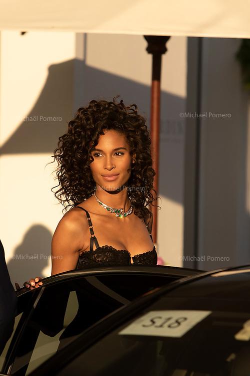 21 Mai 2019 Hotel Martinez<br /> <br /> Le mannequin Cindy Bruna avant de monter les marches au festival du film de Cannes.<br /> <br /> Model Cindy Bruna before climbing the steps at the Cannes Film Festival.