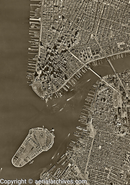 historical aerial photo map Manhattan, New York City, 1954